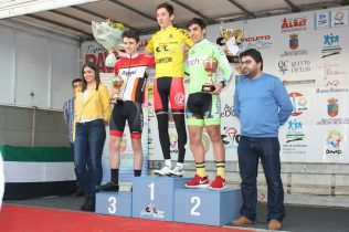 Gran comienzo del Bathco Cycling en Don Benito